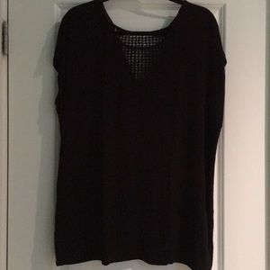 Black short sleeve tee with neck detailing
